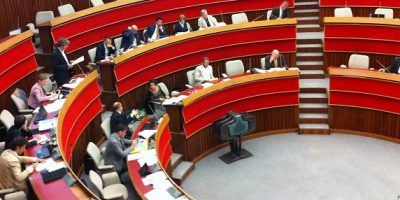 images_2016_POLITICI3_aula_consiglio