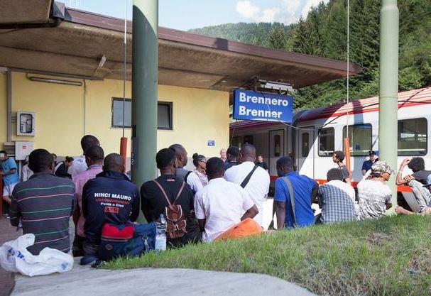 Brennero: controlli sui migranti da parte dell'esercito austriaco