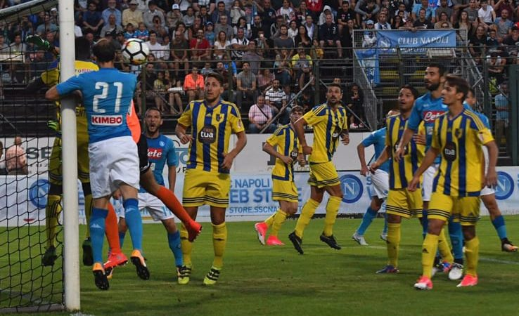 Trento-Napoli 0-7. Chiriches pazzesco, gol da 60 metri. Ounas rompe il ghiaccio