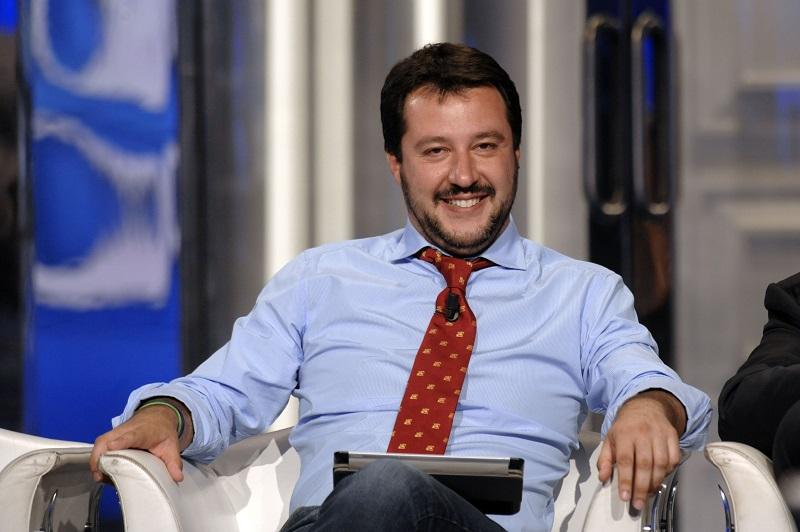 """A Roma arrestate due rom incinte. La criminalità va punita a prescindere"": Matteo Salvini su Twitter"