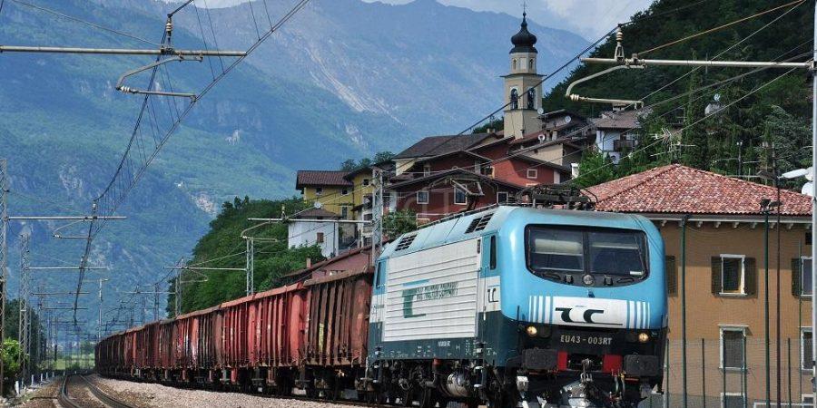 Brennero, migrante ucciso da una scarica elettrica su un treno merci