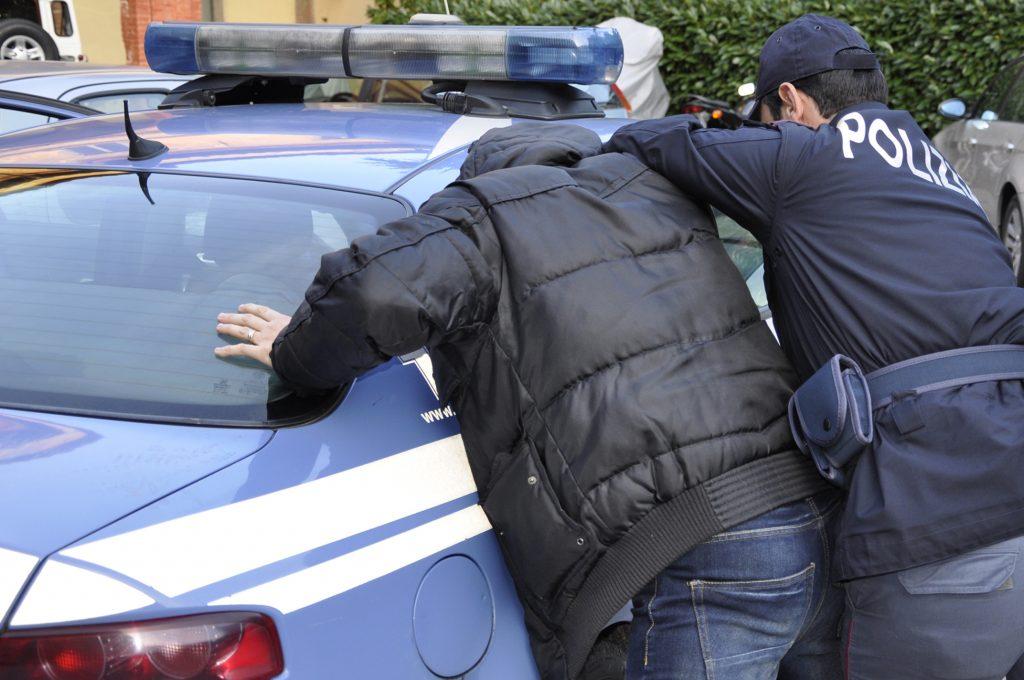 Rovereto: ruba all'interno di una ditta, arrestato dalla Polizia di Stato - la VOCE del TRENTINO