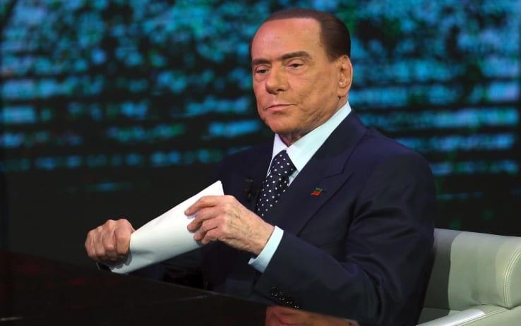 Berlusconi invita Salvini a riflettere: faccia saltare l'accordo con Di Maio