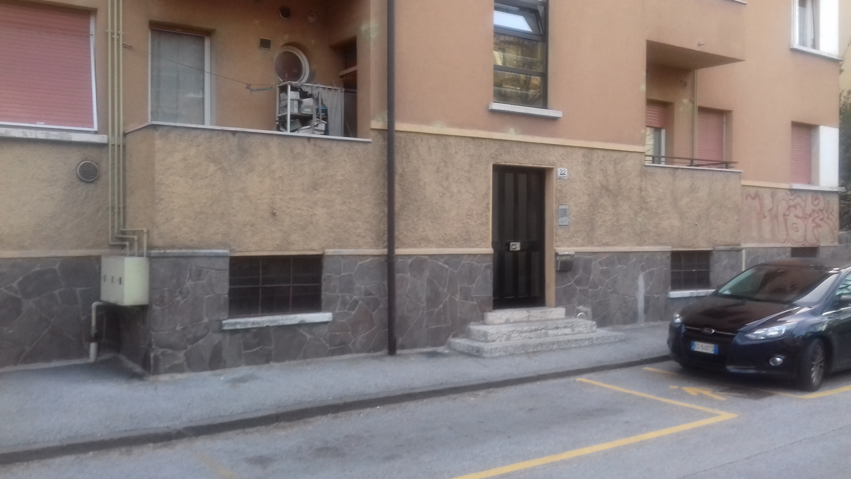 Omicidio a Trento: uomo di 44 anni ucciso da una coltellata