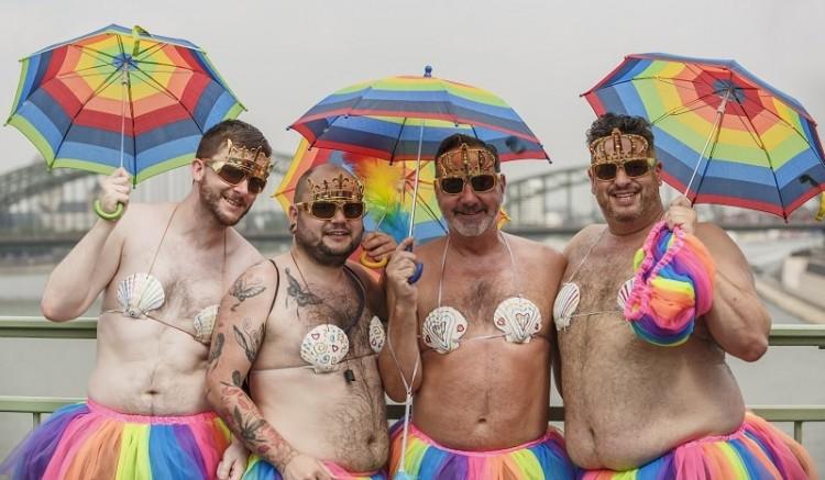 Risultati immagini per gay pride