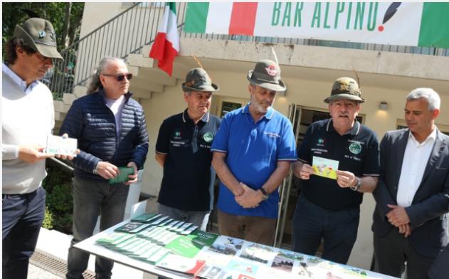 Presentate le cartoline e gli annulli dell Adunata 2018 - La voce del  Trentino 7a52553d64d6