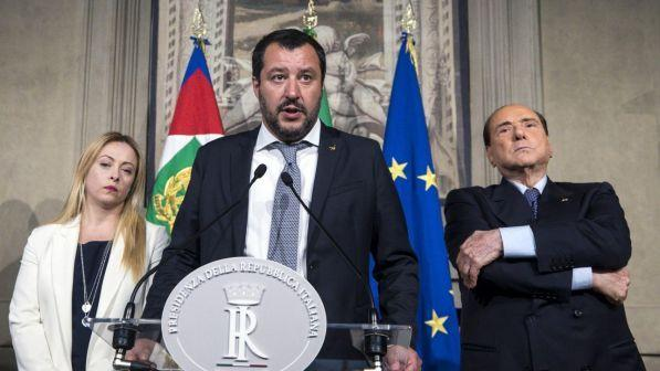 Governo, Salvini-Di Maio propongono l'8 luglio per nuove elezioni