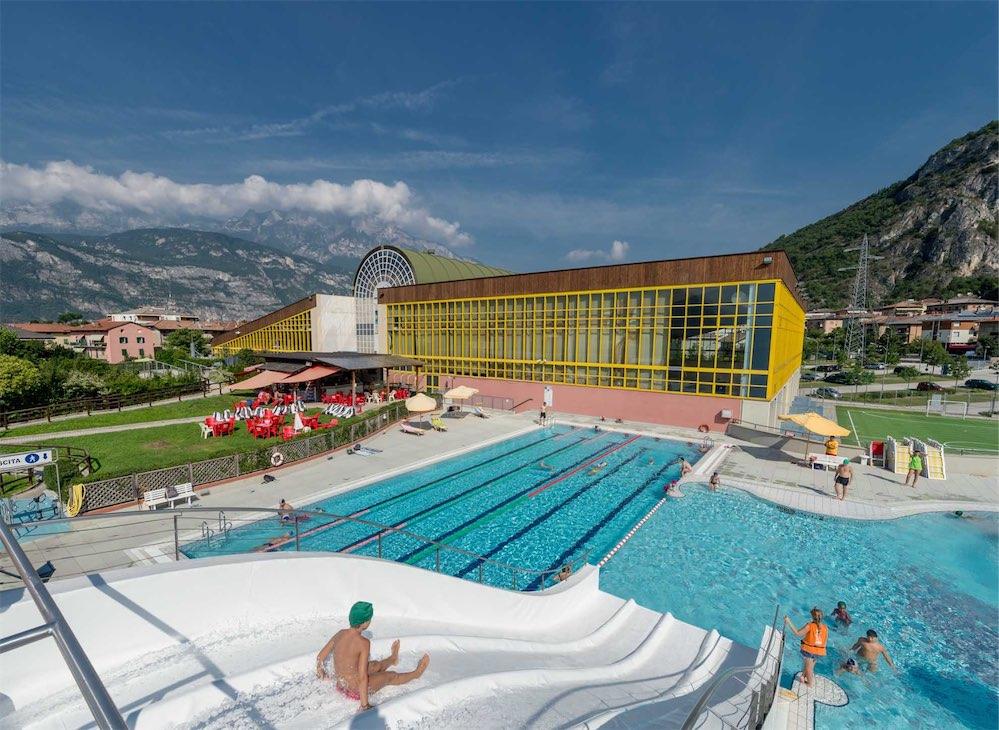 Estate in piscina per i bambini e i ragazzi di lavis il - Corsi per neonati in piscina ...