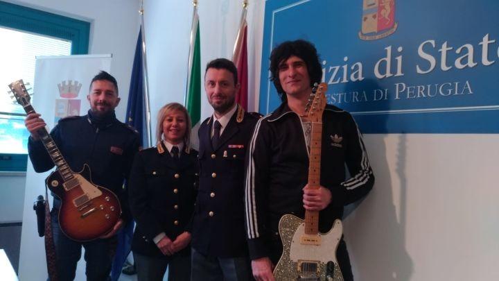 Arezzo, recuperate le chitarre rubate ai Negrita