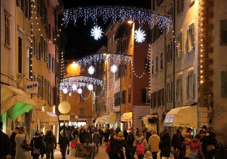 Natale A Trento.Trento Senza Luminarie E Mercatini Di Natale L Ultimo Fallimento Dell Amministrazione Di Centro Sinistra La Voce Del Trentino