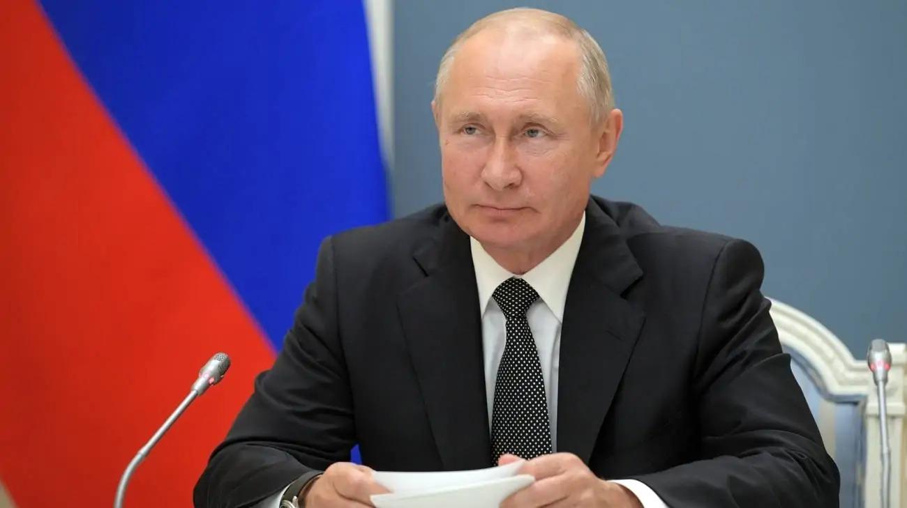 Putin ha il Parkinson ed è intenzionato a lasciare? Cremilino: